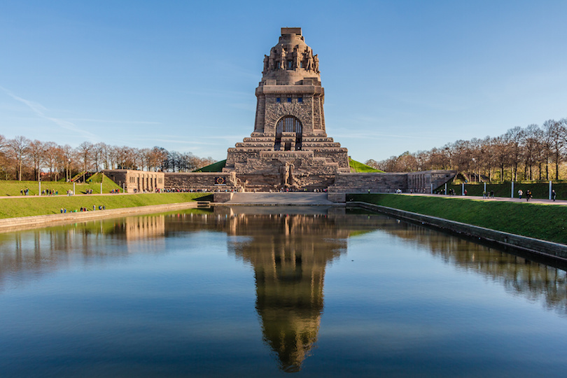 Völkerschlachtdenkmal zu Leipzig im Herbst